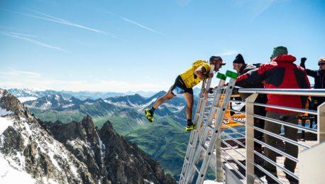 La Corsa In Verticale Fino Alla Cima Più Alta Del Monte Bianco