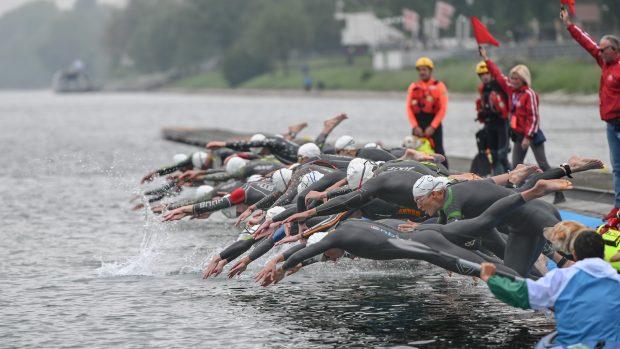 La partenza del Grand Prix Triathlon (foto Ballabio)