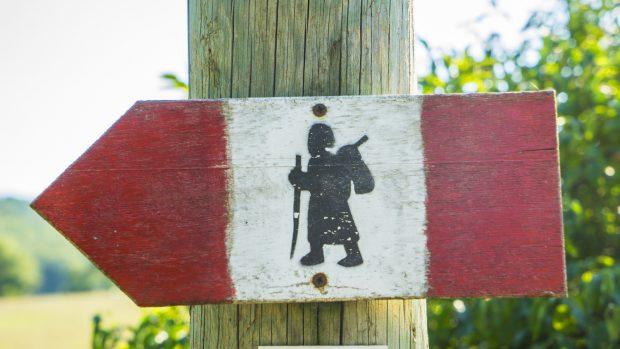 Badia a Coneo, directional sign of Via Francigena